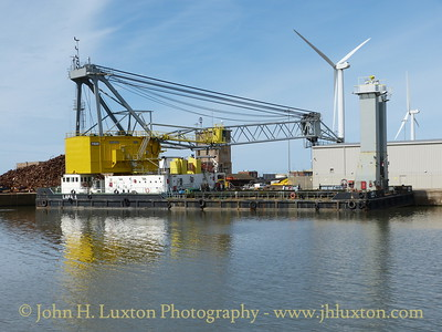 Floating Crane LARA 1 - August 24, 2014