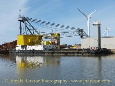 Floating Crane LARA 1 - August 24, 2014