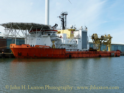 RED7 TONJER at Langton Dock, August 24, 2014