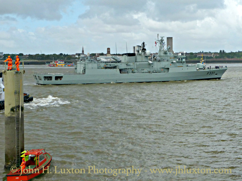 NRP ÁLVARES CABRAL at Liverpool Cruise Terminal - August 08, 2016