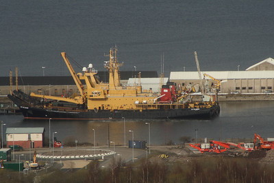 The SD Salmoor (A185) and SD Salmaid (A187) berthed at the RMAS base at Greenock's Great Harbour