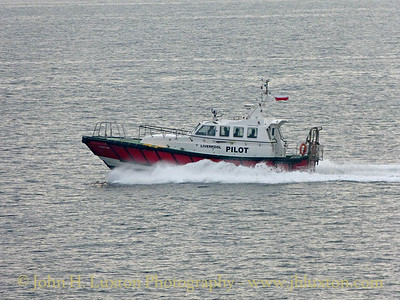 PV TURNSTONE heads back to Liverpool after delivering the pilot to MANANNAN - September 13, 2014