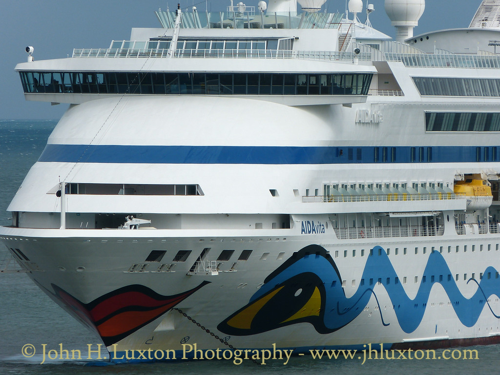 AIDAvita - Fishguard Harbour - August 19, 2016