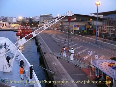 BLACK WATCH: Putting the gangway ashoure at La Coruna - April 12, 2010