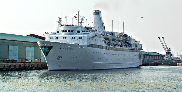 Fred. Olsen Lines - BLACK PRINCE - Langton Dock - Liverpool - Merseyside - August 09, 2003