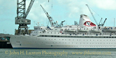 Fred. Olsen Lines - BLACK PRINCE - Port of Falmouth - Falmouth - Cornwall - October 25, 2002