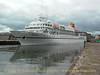 Hapag Lloyd BREMEN arriving at Custom House Quay, Cork City on May 25, 2003.