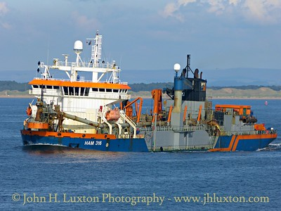 HAM 316 at work in Queen's Channel - September 19, 2015
