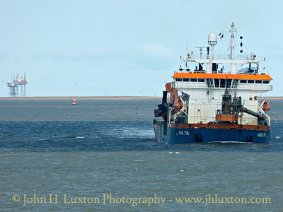 HAM 316 dredging Crosby Channel - September 05, 2015