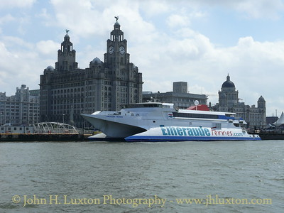 EMERAUDE FRANCE (ex HOVERSPEED FRANCE) at Liverpool Landing Stage May 31, 2007. She was on charter to cover for the accident damaged SEA EXPRESS I.