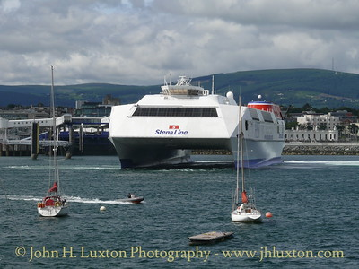 HSS STENA EXPLORER arriving at Dun Laoghaire on June 23, 2007.