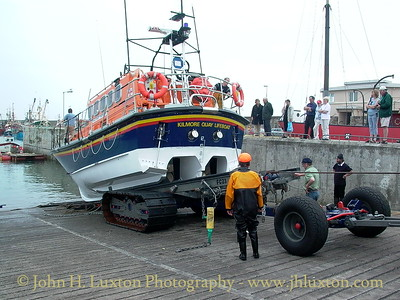 Recovering the RNLB MARY MARGARET at Kilmore Quay, County Wexford. August 06, 2002