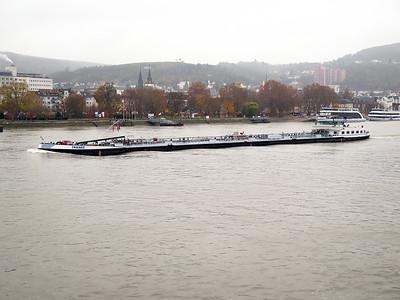 Tanker TRIENKE, IMO 8615124. Southbound on the Rhine. Thursday 20th November 2014.