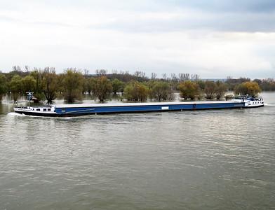 SCHAUENBURG, MMSI 244100549 heading up stream near Mainz. Wednesday 19th November 2014.