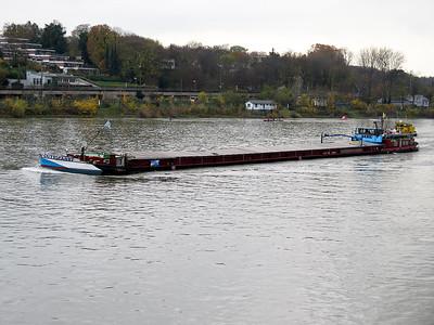 GUTE FAHRT, MMSI 211169500 heading up stream south of Mainz. Wednesday 19th November 2014.
