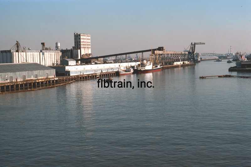 SHIP1975110019 - Ships, Port of Houston, TX, 11-1975