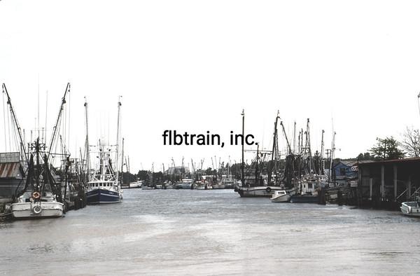 SHIP1989050023 - Fishing Vessels, Delcambre, LA, 5-1989