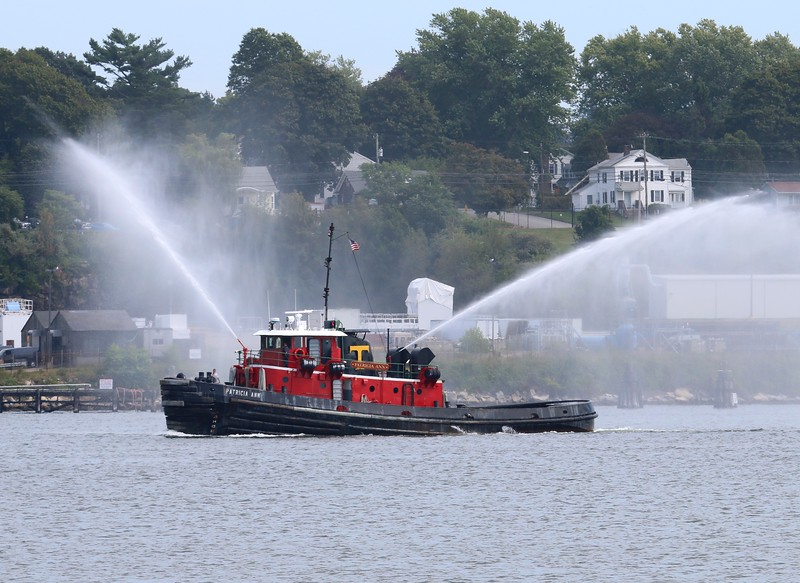 "Tug ""Patricia Ann"" in the Thames River"