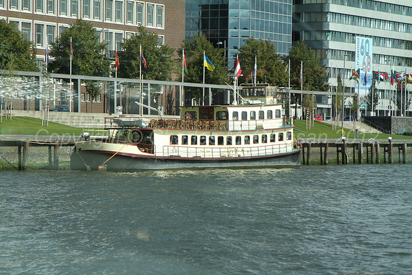 Shipping in Rotterdam and on the river