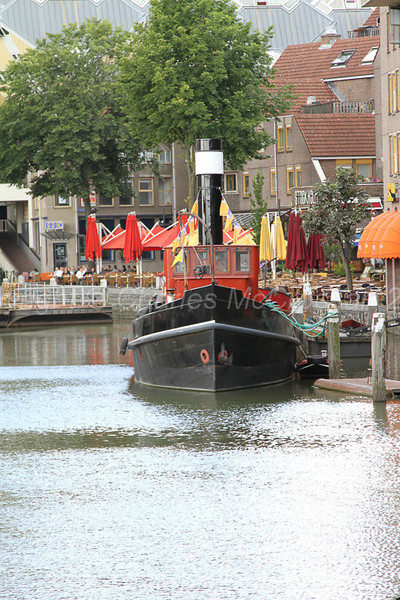 Small steam tug in Oudehaven