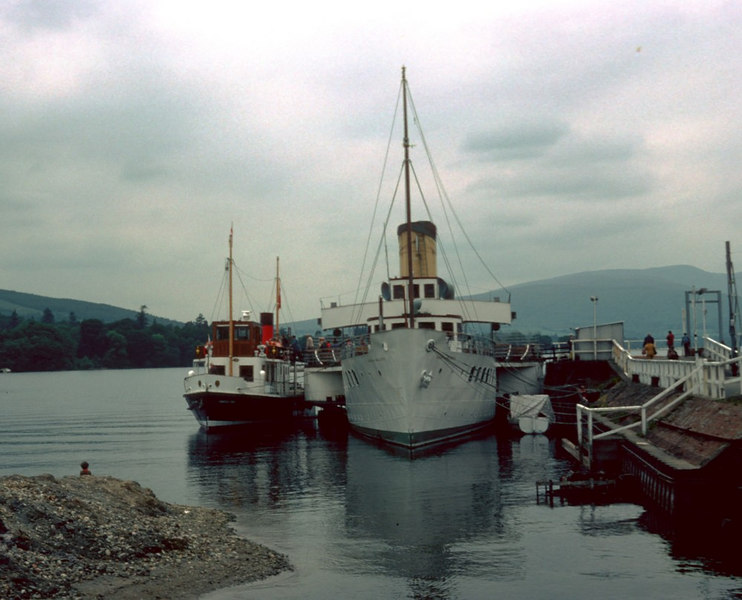 Prior to entering service Countess Fiona moved alongside Maid of the Loch. The difference in the size of the vessels is apparent. However, there was little difference in speed so the Countess was more than able to maintain the Maid's former schedule.