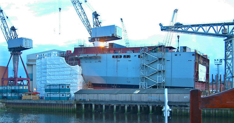 Five weeks later, on 27th July 2003, the first level of superstructure has been added
