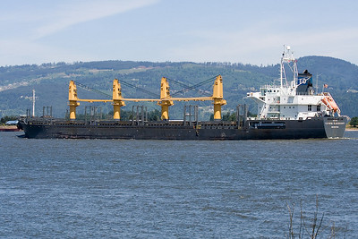 CATHRIN OLDENDORFF (IMO number: 9255074)  | Columbia River, Columbia City, Oregon  | Canon EF 70-300mm f/4-5.6 IS USM