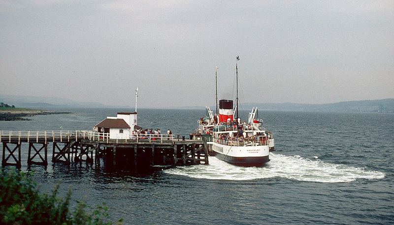 With her head sprung out into the channel Waverley departs Kilcreggan in spirited fashion to head round Portkil Point and  Roseneath Point to Helensburgh