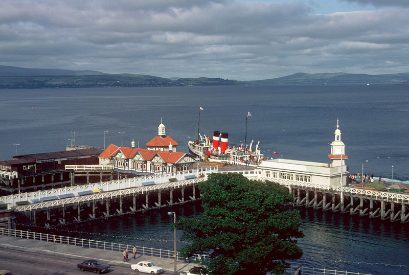 Dunoon's glorious steamer pier in the days before breakwaters were deemed necessary.