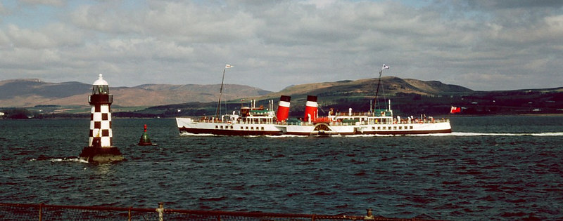 Waverley passing the Mirren shore and lighthouse off the old Port Glasgow Steamboat Quay.