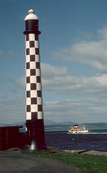 Waverley passing the elevated light tower at Port Glasgow.