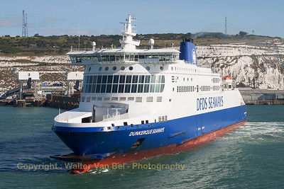 """Dunkerque Seaways"" manouvering in the port of Dover.  Vessel's Details: Ship Type: Ro-ro/passenger ship Year Built: 2005 Length x Breadth: 186 m X 28 m Gross Tonnage: 35923, DeadWeight: 6160 t Speed recorded (Max / Average): 22.3 / 17.5 knots Flag: United Kingdom [UK]  Call Sign: MJTL2 IMO: 9293076, MMSI: 235028825"