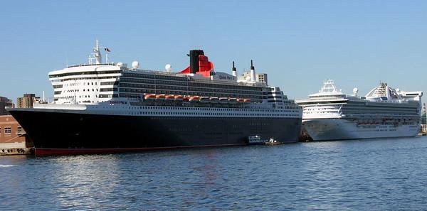 Queen Mary 2 & Golden Princess, Halifax (Nova Scotia), 3 October 2005