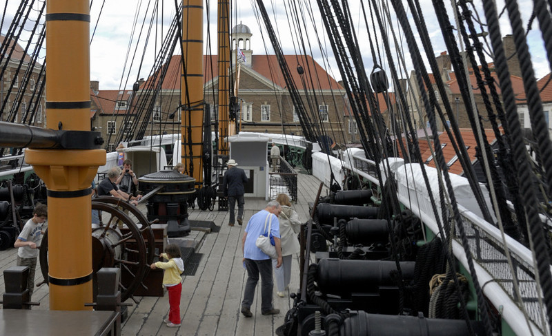 HMS Trincomalee, Hartlepool, Tues 10 August 2010 16.  Ship's waist.  Trincomalee is about 150 ft long from stem to stern.  If commissioned when built, she would have had a crew establishment of 320.