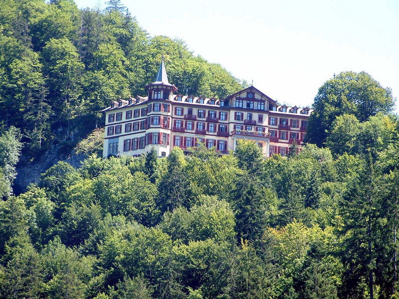 The hotel at Giessbach that commands a spectacular view along Lake Brienz
