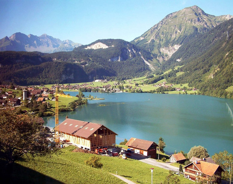 ....and reaches Lake Lungern high up on a plateau in the mountains