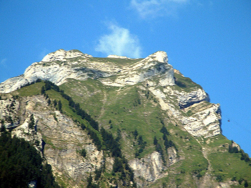 Passing mighty Mount Pilatus - looking its best in the morning sunshine