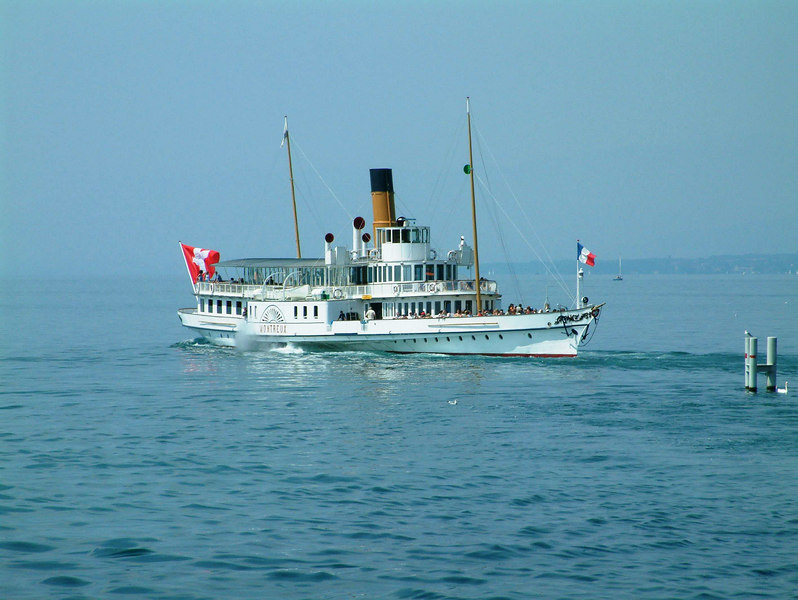 Paddle steamer Montreux leaving Lausanne-Ouchy