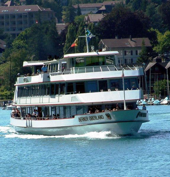 Motor vessel Berner Oberland departing from Spiez