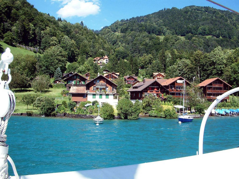 Views on Lake Thun from paddle steamer Blumlisalp
