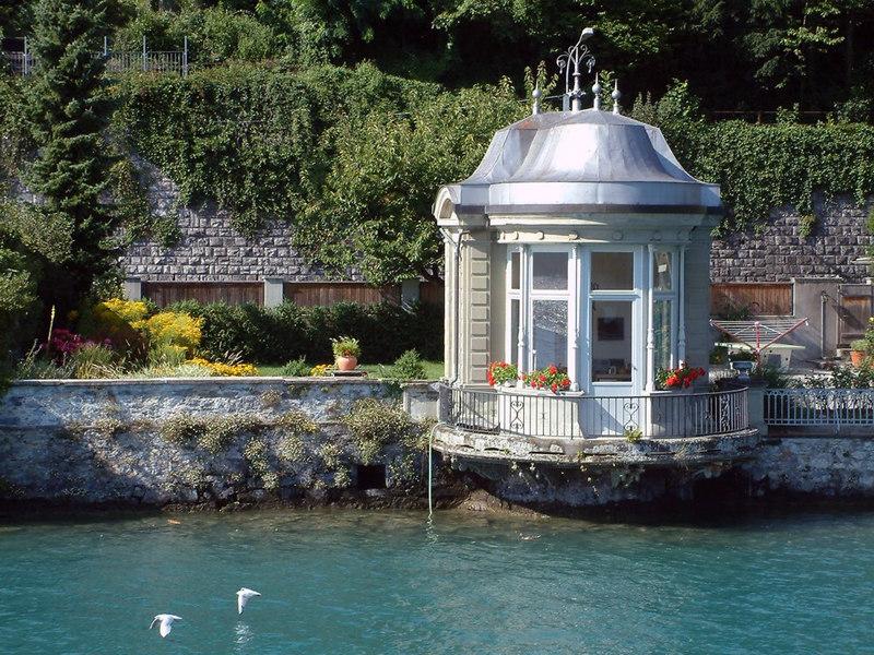 Summer house by Lake Thun