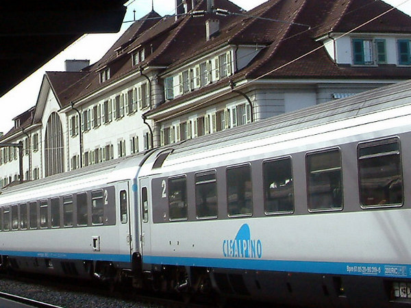 Cisalpino train at Thun Railway Station