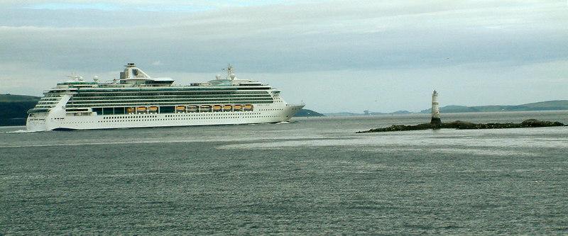 Jewel of the Seas passing the Gantocks reef