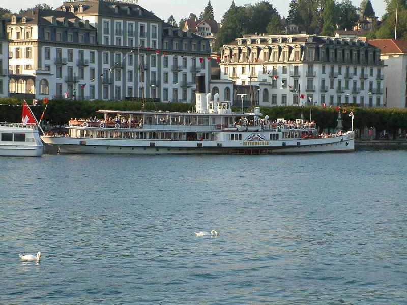 Swiss National Day Steamer Parade 2003 - paddle steamer Unterwalden at Pier 10