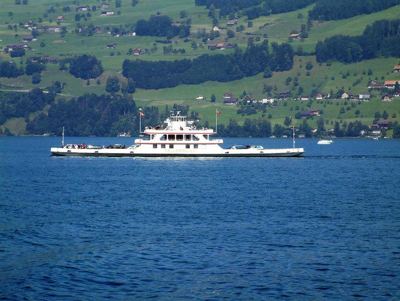 Beckenreid - Gersau car ferry, motor vessel Tellsprung crossing the lake