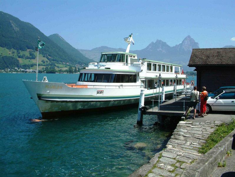 Motor vessel Fluelen at Treib