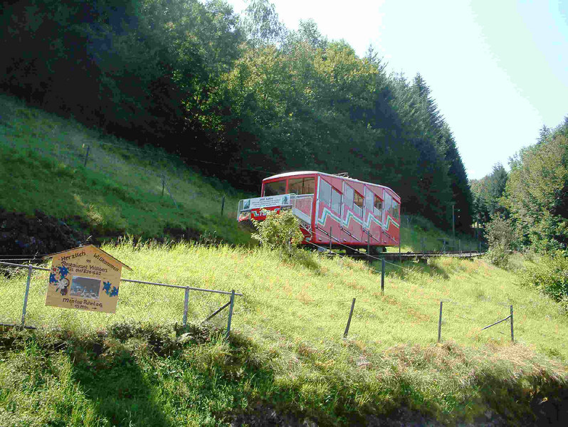 The Treib - Seelisberg funicular leaving Treib for Seelisberg