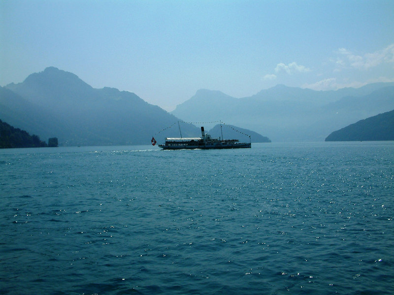 Paddle steamer Schiller crossing the Vierwaldstattersee