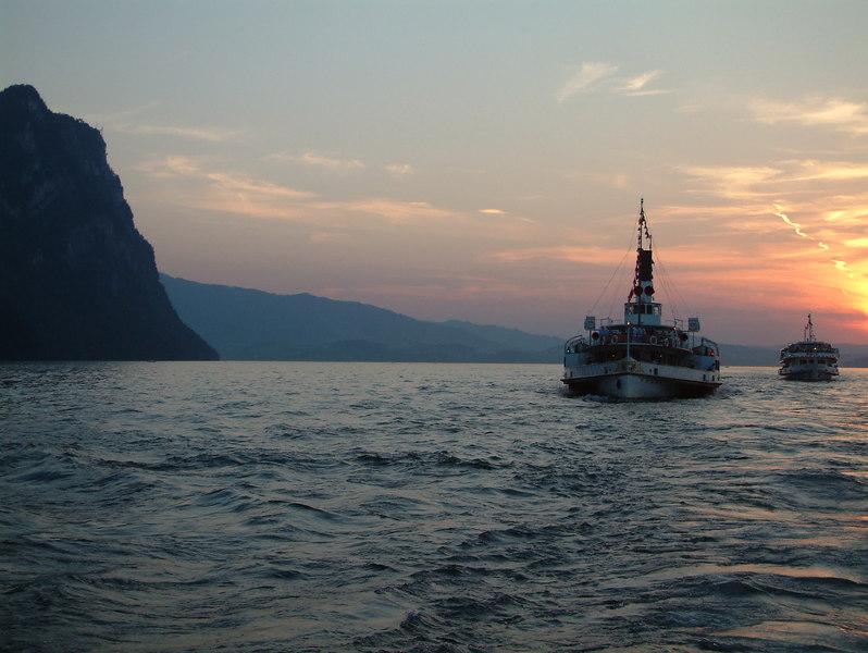 Paddle steamer Uri and motor vessel Waldstatter passing the Burgenstock