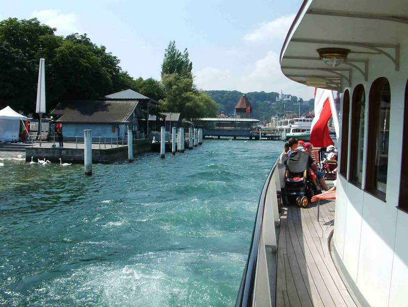 Leaving Luzern by paddle steamer